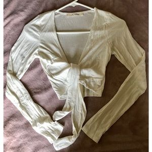 Forever 21 Tops - Cropped knotted top